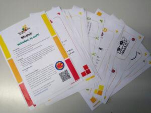 """Mehrer Blätter mit Fragen und zeichnugne für das Demokratielernspiel QUARARO zum Thema """" Behinderung- na und"""""""